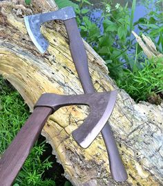 Hand forged medieval axe - so called bearded axe. In a blunt version is edge rounded, case hardened for re-enactment practise. Size of a head of an axe: 16 x 19 cm. Bushcraft, Blacksmithing Knives, Viking Axe, Viking Beard, Beil, Axe Head, Medieval Weapons, Knives And Swords, Knife Making