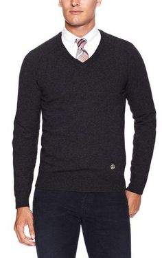 Read on to know all the ways in which you can incorporate the V Neck Sweater in your look to make most of it.