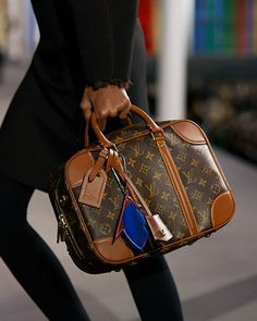 Welcome 2 World Boutiques Sac Speedy Louis Vuitton, Buy Louis Vuitton, Louis Vuitton Neverfull, Louis Vuitton Handbags, Louis Vuitton Monogram, Vuitton Bag, Collection Louis Vuitton, Sacs Louis Vuiton, Louvre