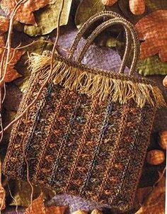 Uncinetto: come creare questa bellissima borsa con le frange