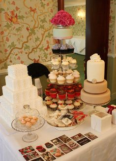 Dessert table with cake (bodas)