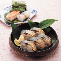 奈良の名産・柿の葉すしと焼さば棒鮨。【敬老の日届け専用】焼さば鮨詰合せ