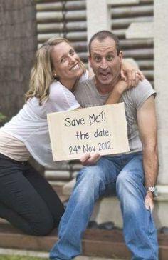 Funny Engagement Photos, Engagement Humor, Funny Wedding Photos, Cute Wedding Ideas, Wedding With Kids, Engagement Couple, Funny Photos, Wedding Pictures, Trendy Wedding