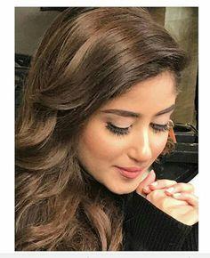 Girl Photo Poses, Girl Photos, Sajjal Ali, Celebs, Celebrities, Beauty Queens, Pakistani, Girl Fashion, Girly
