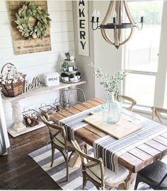 Comedor con sillas Thonet