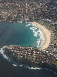 Famous Bondi Beach, Sydney - Australia, just a few minutes before landing in Sydney. Bondi Beach, Sydney Australia, Travel Around, Airplane View, Landing, City Photo, River, Spaces, Vacation