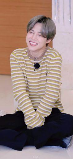 Jimin Jungkook, Bts Taehyung, Foto Bts, Jimi Bts, Bts Summer Package, Park Jimin Cute, Jimin Wallpaper, Run Bts, Bts Lockscreen