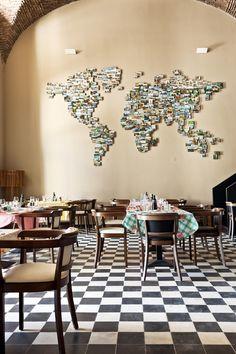 Restaurant Terreiro do Paço - Lisboa #photowall #worldmap