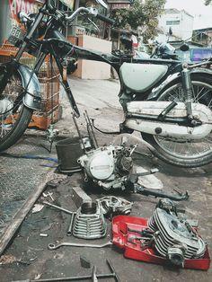 -1976 Honda CB100- Engine restoration #stayoriginal #honda #cb100 #classicbike