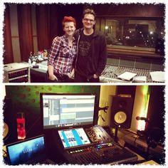 (1) Twitter Debut Album, Studio, Twitter, Studios