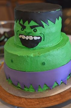 incredible looking cakes | SMASHING DIY Incredible Hulk Birthday Party!