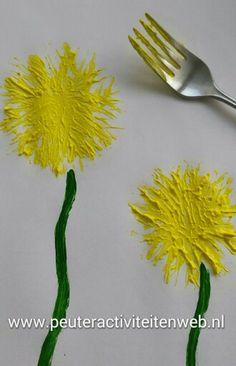 Leuke activiteit voor bij onze thema's groeien & bloeien en flora & fauna www.peuteractiviteitenweb.nl Geef toch kleine paardebloem Je pluisjes aan de wind Ik hoop dat ieder zaadje straks Een aardig plekje vindt. En dat op al die plekjes Nieuwe plantjes zullen groeien En overal hier om ons heen Weer gele bloemen bloeien. En dat die bloemen later, Aan het einde van hun leven, Hun pluisjes- net als jij Weer aan de wind mee zullen geven