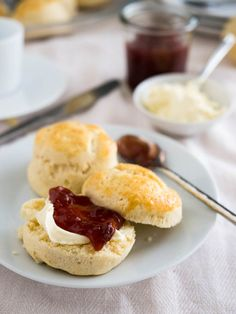Easy British Afternoon-Tea Scones - perfect for entertaining guests and super fast and easy to make!You can make them in advance and freeze them.