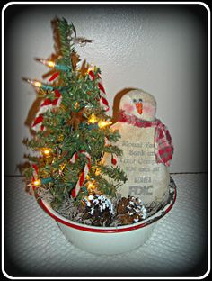 Primitive SnOwMaN in Vintage Enamelware Bowl with Lighted Tree! #Primitive #HomegrownTreasures