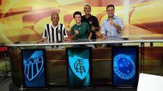 Dadá Maravilha e Jair Bala, ex-jogadores de futebol, e Vibrantinho, comentarista esportivo.