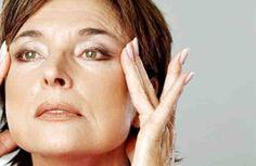 Las mascarillas de estiramiento facial son una de las mejores maneras naturales para conseguir un estiramiento facial natural. Mascarillas que ayudan a que la piel esté firme, levantada y tensa, dando a su rostro una apariencia juvenil. Puede lograr un estiramiento facial sin cirugía median