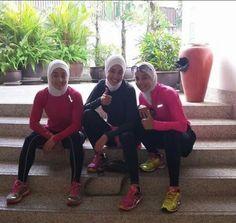 X Sports Hijab, Islamic Fashion, Hijab Outfit, Muslim Women, Hijab Fashion, Fitness Fashion, Sport Outfits, Hijabs, Workout Outfits