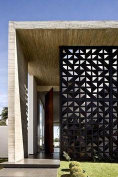 House VAP,© Edgard César Diy Garden Projects, Diy Garden Decor, Screen Design, Wall Design, Exterior Tradicional, Exterior Wall Panels, Rooftop Design, Duplex House Design, Brickwork