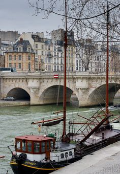 Paris by the Seine @ http://confinedlight.ca/post/16894267994/paris-by-the-seine