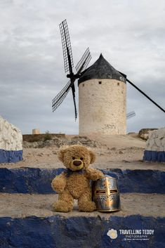 Teddy Bear Pictures, Bear Wallpaper, Love Bear, Bear Doll, Windmill, Plushies, Snowman, Corgi, Disney