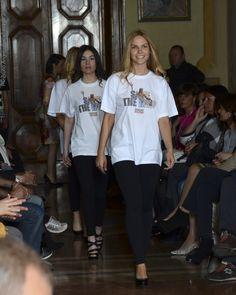 Sfilata Moda Poluzzi II parte - Magliette in vendita per salvare il Nettuno di Piazza Maggiore a Bologna - A cura dell'avv. Manes Bernardini