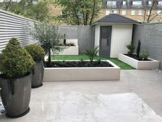 urban gardening - Michael Partridge Garden Design are a team of landscapers and landscape gardeners based in Harrogate Garden designers offering you creative and distinctive solutions for your garden Small Courtyard Gardens, Back Gardens, Small Gardens, Outdoor Gardens, Small City Garden, Back Garden Design, Backyard Garden Design, Backyard Ideas For Small Yards, Small Backyard Landscaping