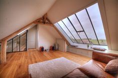Oise Rénovation - Avant/Après Architecture Renovation, Attic Renovation, Rustic Master Bedroom, Sleeping Loft, Attic Rooms, Stylish Home Decor, Loft Spaces, Sweet Home, New Homes