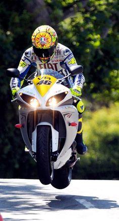 Valentino Rossi riding the Yamaha R1 at Isle of Man