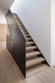 Simple and Modern Staircase Design Ideas (Best for Home and Office) - JJones Interior Staircase, Staircase Design, Interior Architecture, Interior Design, Staircase Ideas, Staircase Pictures, Staircase Decoration, Staircase Architecture, Stairway Decorating