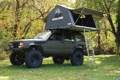 Searching for 2016 jeep wrangler, or 2000 jeep grand cherokee, Click VISIT link to see Jeep Xj Mods, Jeep 4x4, Jeep Truck, Jeep Tent, Jeep Camping, Car Tent, Truck Tent, Top Tents, Roof Top Tent