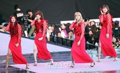 """Suho, Kyuhyun, Changmin and Minho perform """"Something"""" by Girls Day @ SMTOWN"""