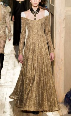 Gown for Queen Jeyne Westerling, Valentino