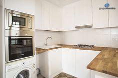 La #cocina se distribuyó en forma de U y se equipó por completo. #kitchen #bcn