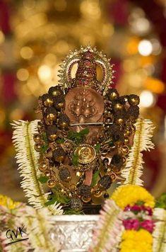 Indian Goddess Kali, Goddess Lakshmi, Indian Gods, Lakshmi Images, Krishna Images, Lord Sri Rama, Classy Wallpaper, Lord Rama Images, Lord Vishnu Wallpapers