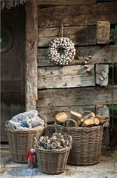 Gardening Autumn - Shed Plans - CASA TRÈS CHIC - Now You Can Build ANY Shed In A Weekend Even If Youve Zero Woodworking Experience! - With the arrival of rains and falling temperatures autumn is a perfect opportunity to make new plantations Country Christmas, White Christmas, Natural Christmas, Outdoor Christmas, Cabin Christmas, Christmas Baskets, Vintage Christmas, Winter Porch, Cozy Winter