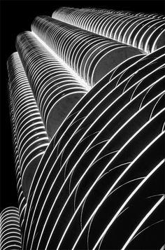 Composición lineal  Marina Towers