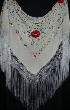 Manton, Mantones, Spanish Embroidered Shawls