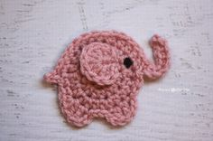 Repeat Crafter Me: E is for Elephant: Crochet Elephant Applique Free Crochet Pattern. Marque-pages Au Crochet, Appliques Au Crochet, Crochet Applique Patterns Free, Crochet Mignon, Crochet Motifs, Crochet Amigurumi, Cute Crochet, Crochet Crafts, Crochet Stitches