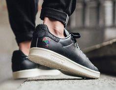 "adidas Originals Says ""Xin Nian Kuai Le"" With a Celebratory Chinese New Year Pack \\ Available in store - Online 🌐 @adidasoriginals www.urbanstaroma.com  #ultraboost #snobshot #rome #adidasultraboost #xinniankuai #Adidas #ultraboost #primeknit #urbanstaroma #igsneakercommunity #kicks #kickstagram #fashion #dope #sneakernews #sneakerhead #sneakers #shoes #running #snobshots #swag #man #me #nofilter #nicekicks #cool #teamcozy @adidasita @adidasoriginals"