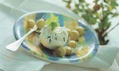 Schabziger-Mousse mit Stachelbeeren - Rezepte - Schweizer Milch Mousse, Eggs, Breakfast, Ethnic Recipes, Food, Food Portions, Simple, Food Food, Swiss Guard