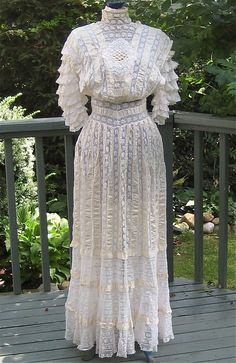 Antique Victorian / Edwardian Netted Lace and Ribbon Tea Dress ... Early 1900s.