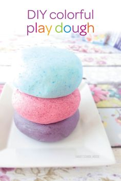 Looking for a new activity to try with your kids? Make playtime with your toddler more fun with this DIY colorful playdough. Simply add some Hawaiian punch into your homemade playdough recipe and your little ones will be entertained for hours!