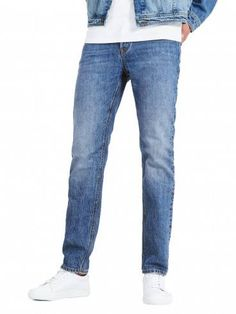 f92a73fc924 These Jack & Jones Comfort Fit Miked jeans has a high rise and roomy leg.