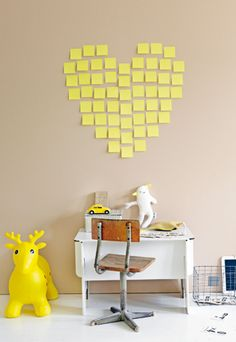 Post-it note wall art that keeps walls undamaged. Perfect for dorms and house rentals.