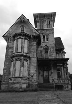 Old house in Coudersport, Pennsylvania ~ Papergreat luv old houses so much history....if the walls could talk