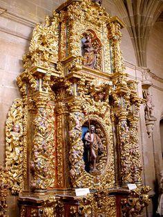 Retablo barroco en el Claustro-Museo Diocesano de la Catedral de Calahorra (La Rioja)