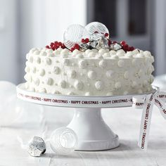 Stoneware Cake Stand from The White Company Magical Christmas, White Christmas, Christmas Home, Christmas Ideas, Christmas Competitions, Pinata Cake, Christmas Biscuits, Fancy Desserts, The White Company