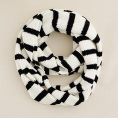 i love a good scarf.