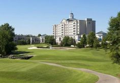 The Ballantyne Hotel And Lodge is a luxurious resort hotel with excellent golf course and other amenities.