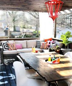 Friday Favs: Perfect Porches.  Ready for spring?  Here's a round-up of some swoon-worthy spaces.